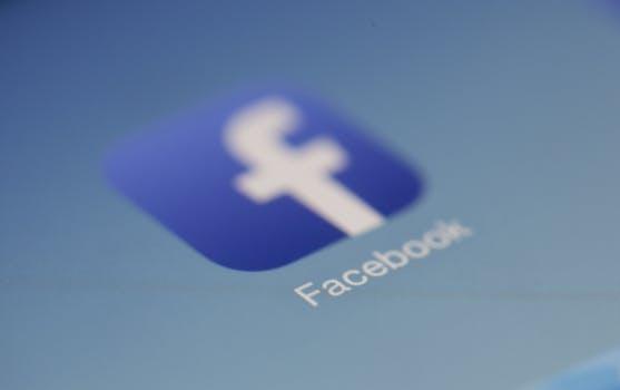 Quién puede heredar mi cuenta de Facebook