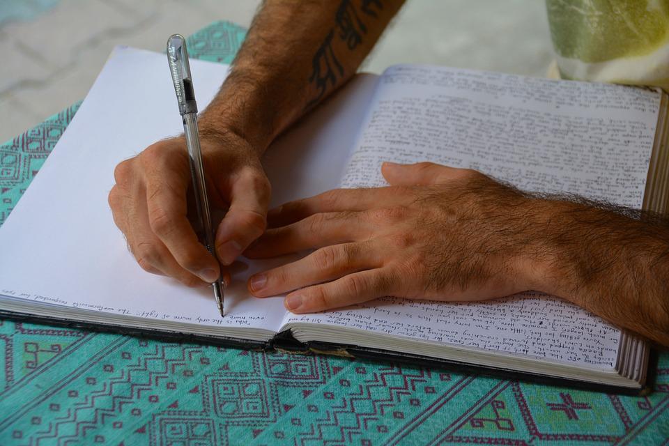 Calcula la longitud de tu escrito mediante Contar palabras en Word
