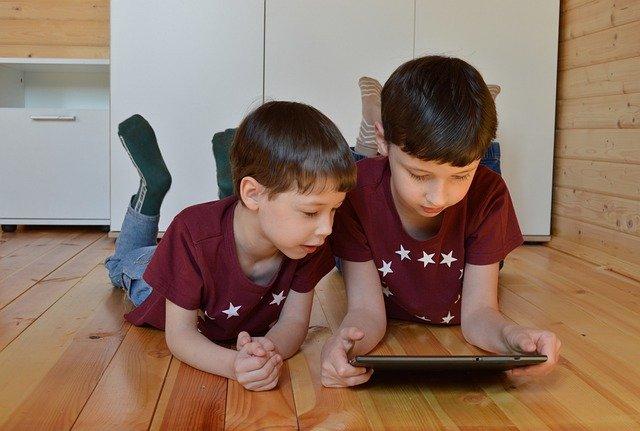 Existen aplicaciones para controlar el tiempo que tus hijos pasan con la tableta